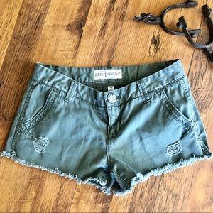 Green Shorts 7/8